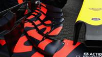 Detail přední křídla vozu Red Bull | Red Bull RB13 - Renault v Belgii