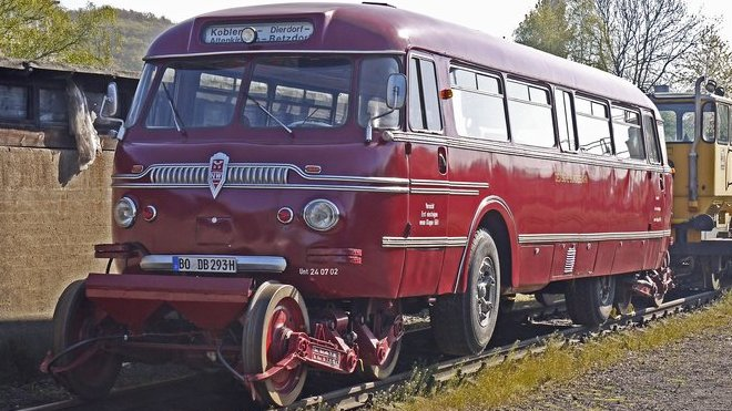 Schi-Stra-Bus