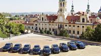 České velvyslance bude nově vozit Škoda Superb