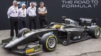 Tým Pirelli a FIA v Itálii