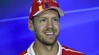 Sebastian Vettel na tiskovce v Itálii