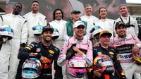 Daniel Ricciardo, Esteban Ocon, Max Verstappen a Sergio Pérez si užili motokáry v Itálii
