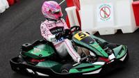 Esteban Ocon s motokárou v Itálii