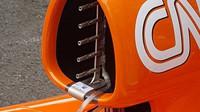 Pitotovy trubice v airboxu McLarenu