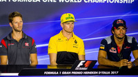 Romain Grosjean, Nico Hülkenberg a Carlos Sainz na tiskovce v Itálii