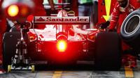 Před poslední třetinou šampionátu se zdá být rozhodnuto, třebaže Ferrari nesouhlasí - anotační obrázek