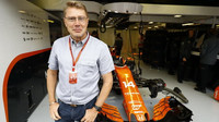 Mika Häkkinen na návštěvě u McLarenu počas kvalifikace v Itálii