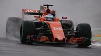 Fernando Alonso za deštivé kvalifikace v Itálii