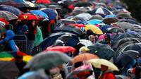 Diváci za deštivé kvalifikace v Itálii