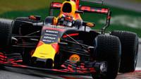 Max Verstappen za deštivé kvalifikace v Itálii