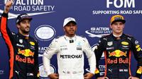 Jezdci Red Bullu se dlouho neradovali po deštivé kvalifikaci v Itálii