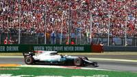 Lewis Hamilton v závodě v Itálii