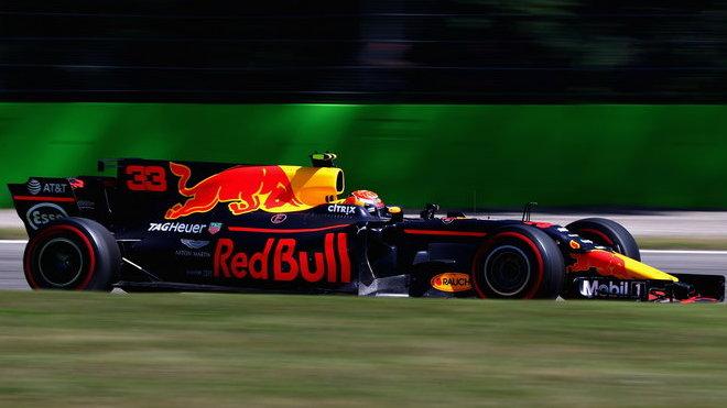 Max Verstappen s Red Bullem prožil v Itálii další smolný závod, po kolizi s Massou skončil desátý