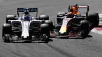 Max Verstappen a Felipe Massa v souboji v závodě v Itálii