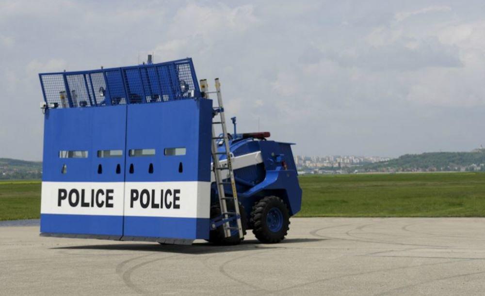 Policejní speciál Božena Riot určený k nasazení při demonstracích