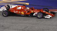 Citelně byl kolizí postižen Vettel, kterému se vzdálila první příčka v šampionátu