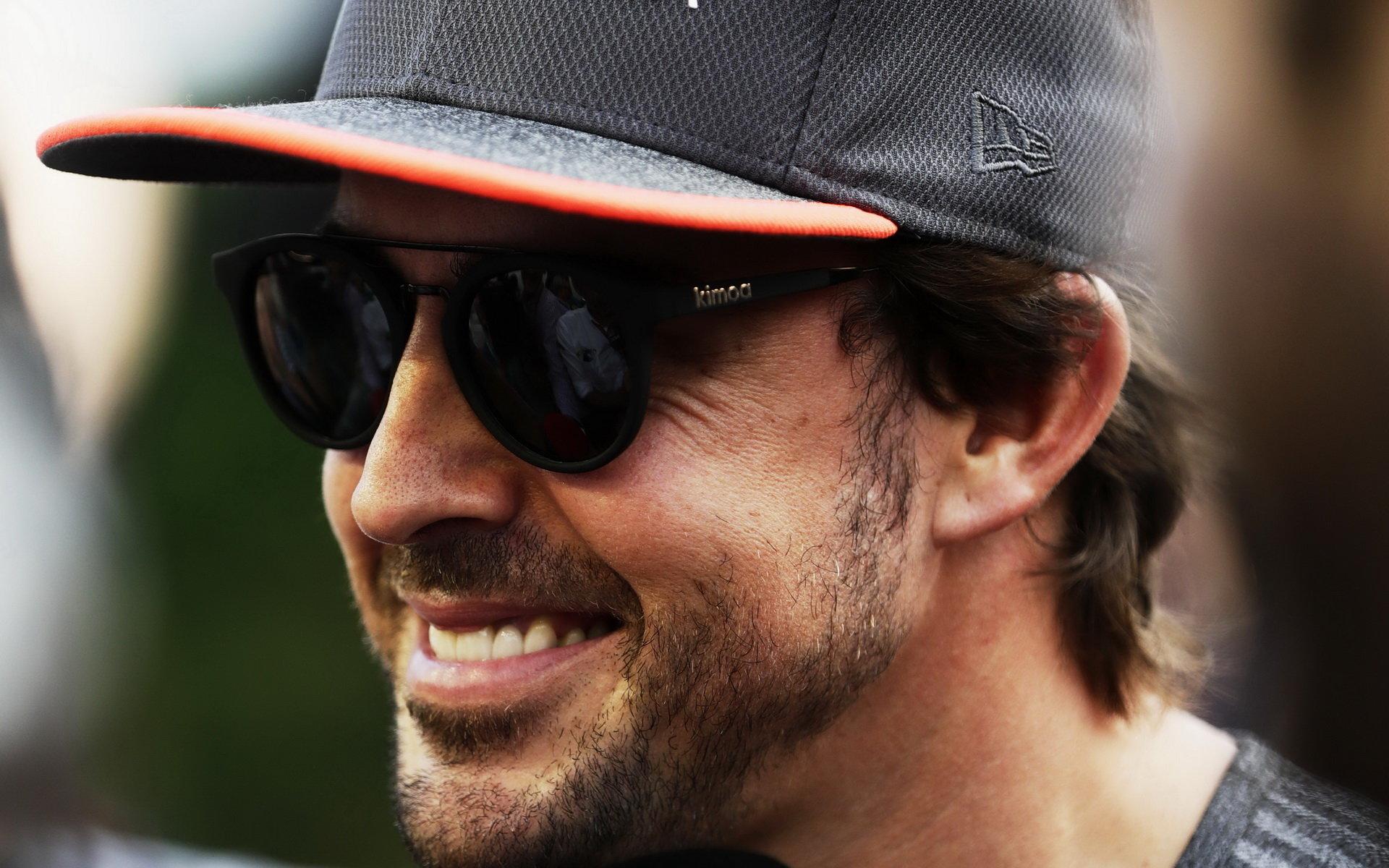 Fernado Alonso se v závěru závodu nechoval nejkorektněji