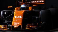 Fernando Alonso v Singapuru štěstí neměl