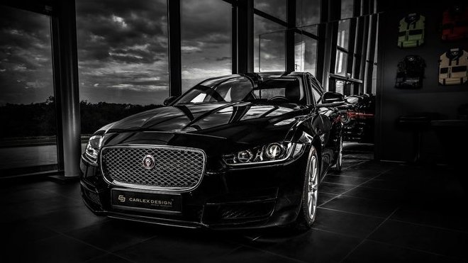 Jaguar XE od Carlex Design
