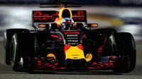 Silniční a F1 motory nemají žádnou spojitost, zaměřme se na velkolepost, vybízí Horner - anotační obrázek
