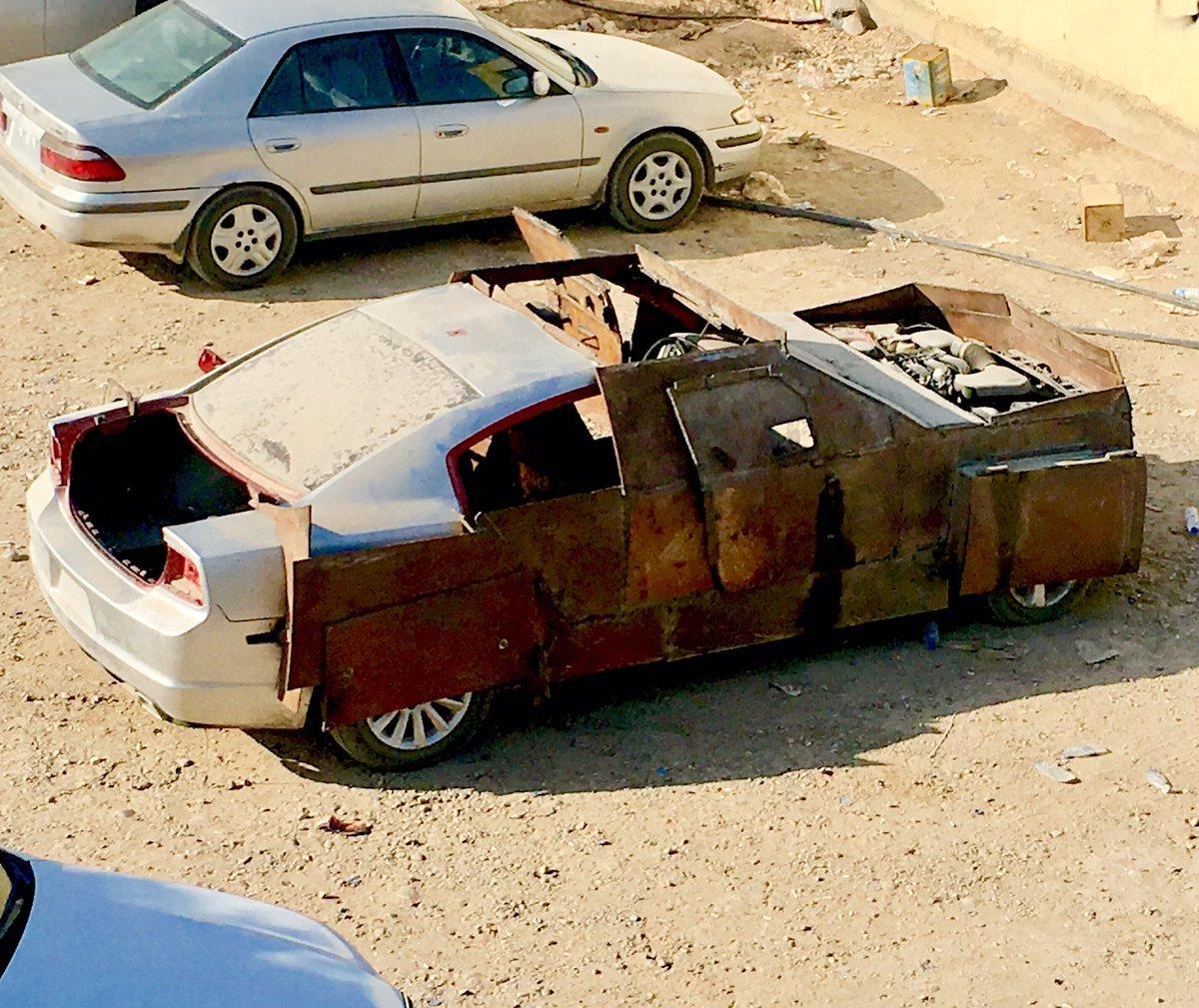 Opancéřovaný Dodge Charger je dalším šíleným výtvorem islamistických kutilů   40eb8ad1fe