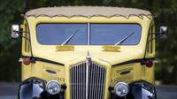 Retro autobus Bender White 706 vozil turisty po národním parku Yellowstone od roku 1937