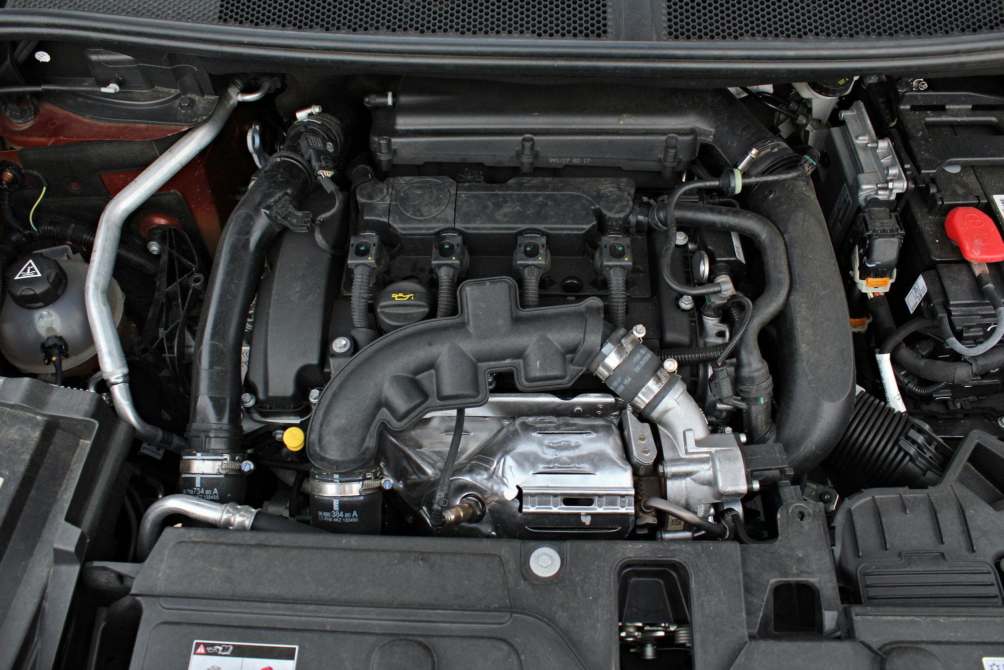 Peugeot 3008 GT Line ukrývá pod kapotou přeplňovaný benzínový čtyřválec o objemu 1.6 litru