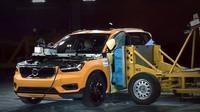 Crash test nového kompaktního SUV Volvo XC40