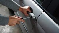 Dostat pokutu za to, že vám ukradnou auto? I to je ve světě možné - anotační obrázek