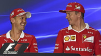 Piloti Ferrari na tiskové konferenci v Malajsii