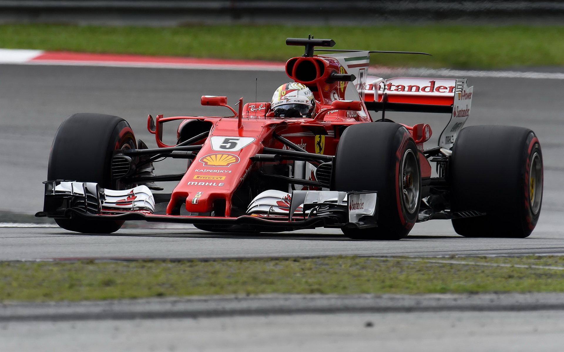 Sebastian Vettel s Ferrari touží po titulu