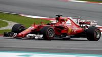 Sebastian Vettel musel v Japonsku odstoupit kvůli vadné svíčce