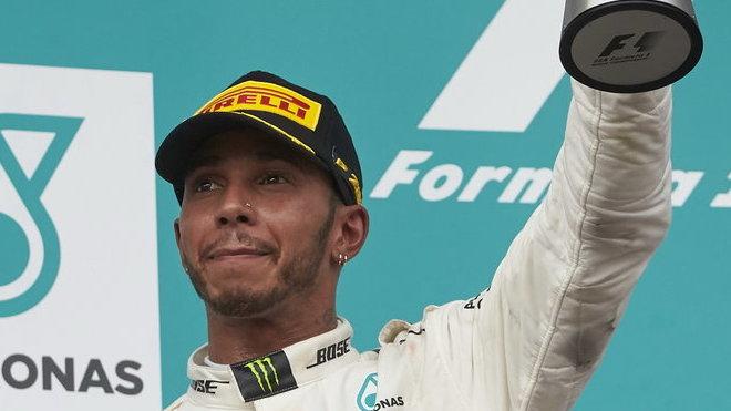 Hamilton podřizuje vše svému cíli