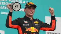 Max Verstappen se v Austinu už viděl na pódiu, na poslední chvíli musel ale své místo přenechat Räikkönenovi
