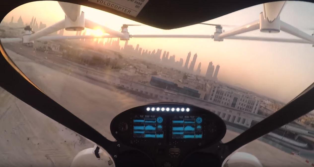 Volocopter se poprvé předvedl během veřejného testu v Dubaji