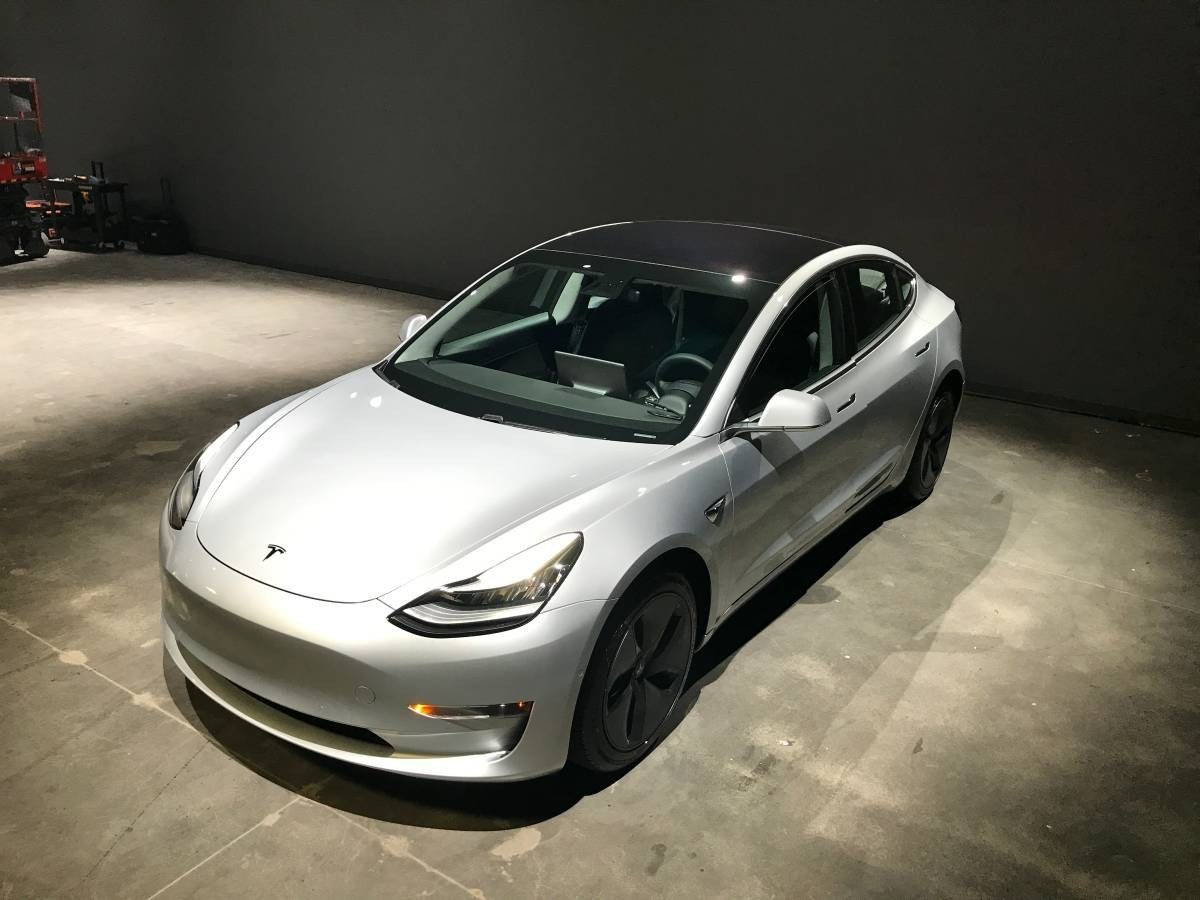 První Tesla Model 3 na trhu ojetých vozidel