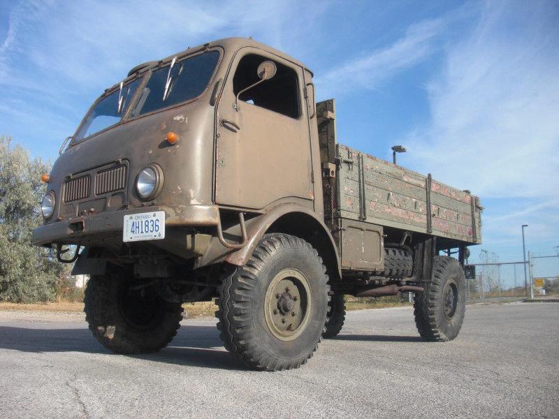 Tatra 805, lidově přezdívaná Kačena, se dostala až do Kanady, kde nyní hledá nového majitele
