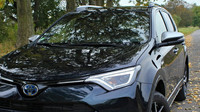 Toyota RAV4 Hybrid Selection AWD ve speciální barvě Azure