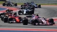 Esteban Ocon a Kimi v závodě v Austinu