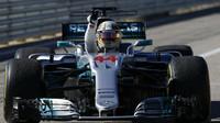 Lewis Hamilton vítězí v závodě v Austinu