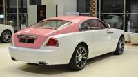 Růžový Rolls-Royce Wraith je ideální dárek pro každou Barbie