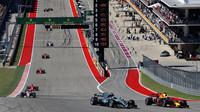 Valtteri Bottas a Daniel Ricciardo po startu závodu v Austinu