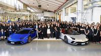 Společnost Lamborghini oslavila výrobu Aventadoru s číslem 7000 a Huracánu s číslem 9000