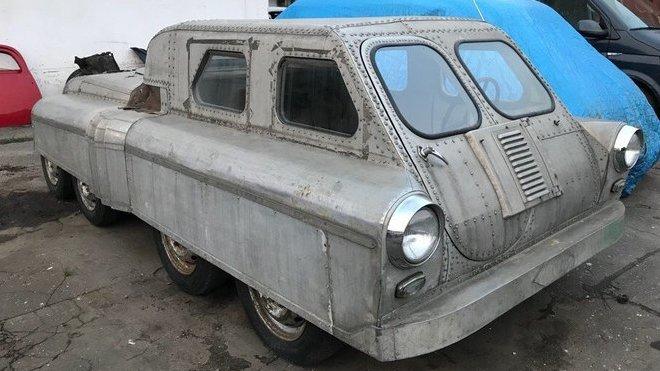 Neznámý ruský obojživelník 8x8 pravděpodobně vychází z vozu GAZ M20