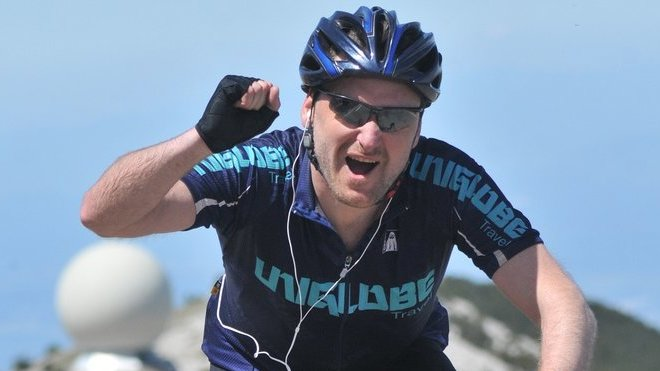 Poslech hudby při jízdě na kole je ve městě receptem na brzkou nehodu