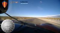 Koenigsegg Agera RS: záběr z kabiny vozu během maximální rychlosti