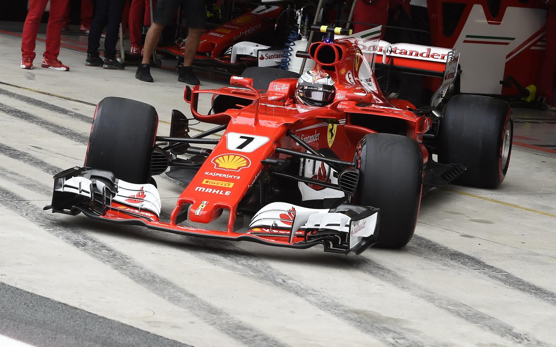 Kimi Räikkönen za svým týmovým kolegou zaostává o 109 bodů