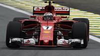 Kimi Räikkönen v kvalifikaci v Brazílii