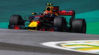 Max Verstappen v s Red Bullem RB13 v Brazílii
