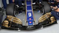 Přední křídlo vozu Sauber | Sauber C36 - Ferrari v kvalifikaci v Brazílii